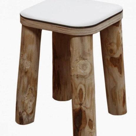 Naturalne drewno, lniana tkanina iartystyczna ceramika – zaproszenie dostołu!