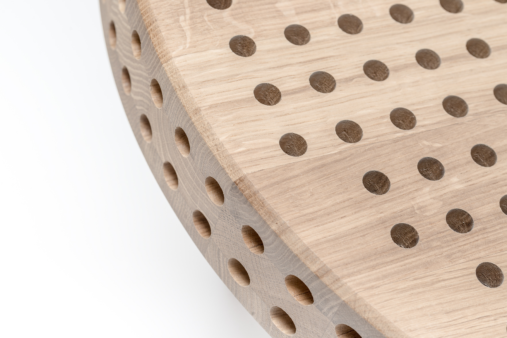 reaktor-side-table-swallow-tail-furniture-detail-3
