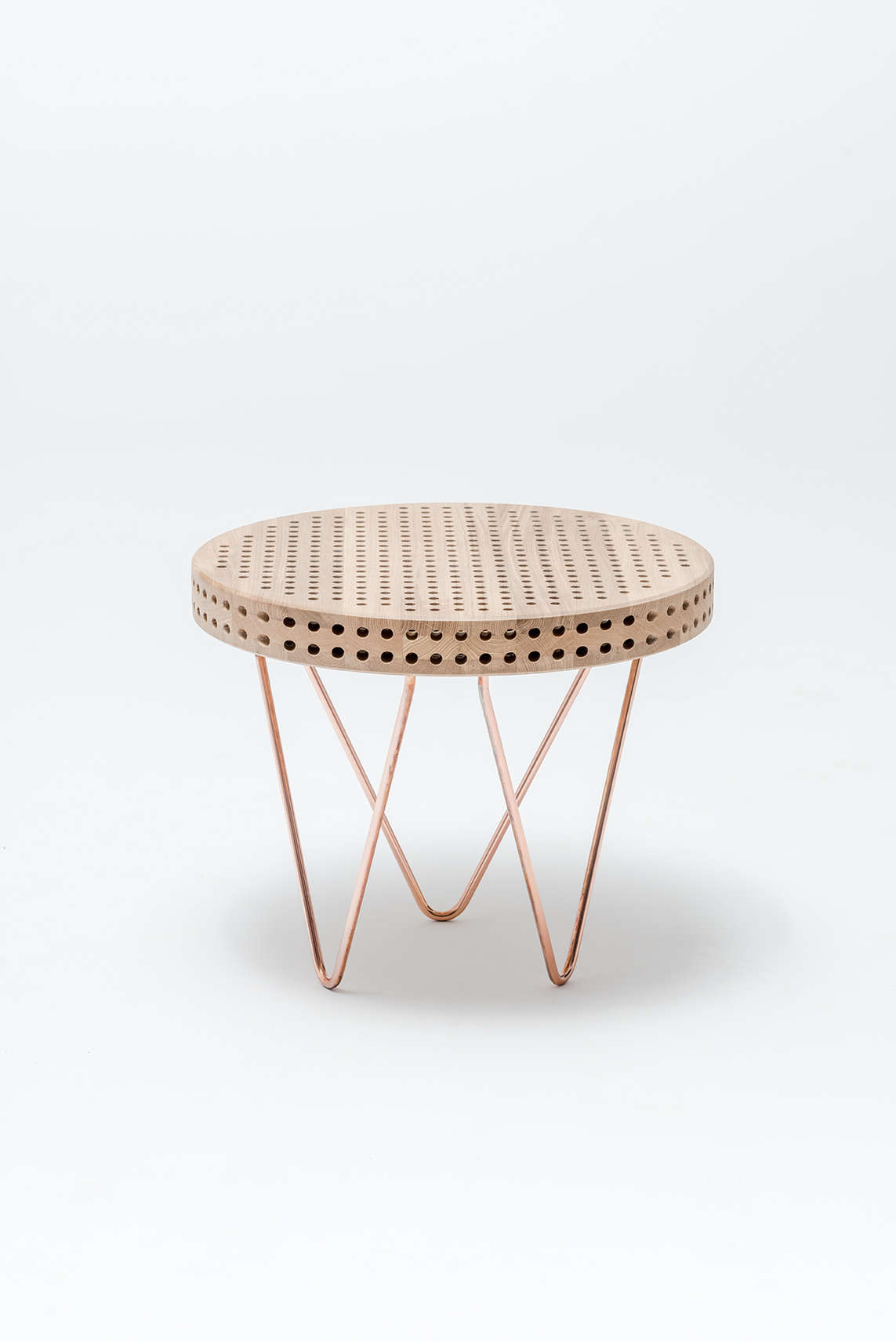 reaktor-side-table-swallow-tail-furniture