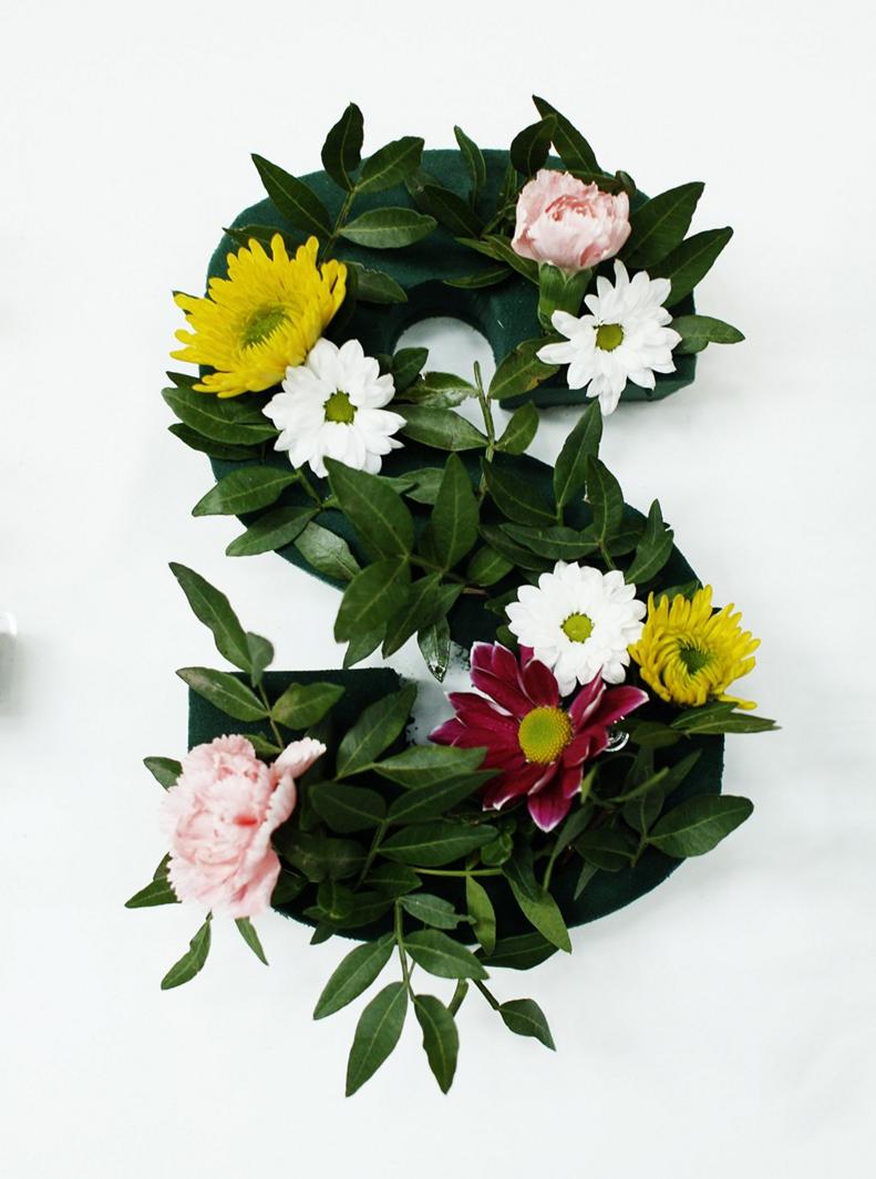 dzien-kobiet-swallows-tail-meble-nowoczesne-inspiracja-kwiaty-stylizacje